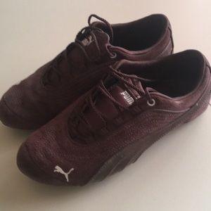 Women's size 6 Puma Lifestyle shoes